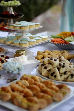the most adorable tea party baby shower ever Breakfast For A Crowd, Breakfast Bake, Breakfast At Tiffanys Party Ideas, Brunch Ideas, Tea Party Baby Shower, Bridal Shower, Easy Party Food, Food Platters, Food 52