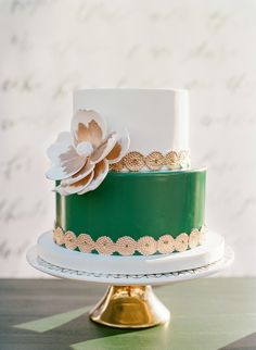 Green, white + gold | Photography: The Ganeys
