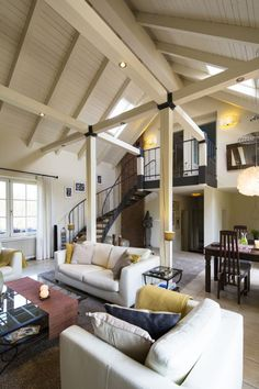 Open space with wooden ceiling and pillars painted with off white color. Sunroom Addition, Metal Stairs, Wooden Ceilings, Off White Color, Color Black, Country Chic, My Dream Home, Beach House, Ceiling Lights