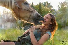 Guten Freunden gibt man Küsschen😘🐴 Pferdetricks Friendshipgoals Horses, Animals, Horse Tricks, Animales, Animaux, Animal, Animais, Horse