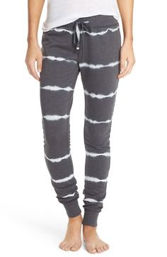 Free shipping and returns on Make + Model Cotton Blend Lounge Pants at Nordstrom.com. A fleecy tie-dye knit gives great softness and warmth to these jogger-style pants that are equally awesome for sleeping or taking it easy.