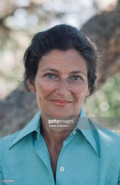 Simone Veil Simone Veil, French Summer, Writers And Poets, Power Dressing, Music Film, Crazy People, Belle Photo, Strong Women, Girl Power