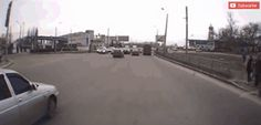 This Guy Tries to Cross The Street Before Everyone Else - Some real funny stuff here. Fresh, daily GIFs that are the type that just keep on giving. Funny Pictures Tumblr, Best Funny Pictures, Ernest Hemingway, Funny Christmas Puns, Funny Animals With Captions, Funny Text Fails, Lol, Awkward Moments, Funny Pranks