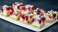 Lemon Raspberry Cheesecake, Raspberry Recipes, Raspberry Sauce, Mini Cheesecakes, Chocolate Ganache Filling, Köstliche Desserts, Love Food, Sweet Treats, Baking