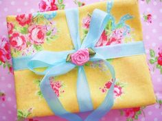 Shabby Chic Yellow With Blue Ribbons Floral Fat Quarter Bundle