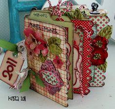 Love the colors on this scrapbook mini album Mini Scrapbook Albums, Scrapbook Journal, Scrapbook Paper Crafts, Scrapbook Cards, Christmas Mini Albums, Christmas Minis, Mini Album Tutorial, Album Book, Handmade Books
