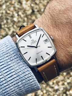 Stunning Omega Automatic second hand retro montre clock wristwatch with modern tan brown strap FOR SALE 👇 Modern Watches, Vintage Watches, Watches For Men, Omega Railmaster, Gentleman Watch, Omega Automatic, Omega Geneve, Leather Box, Hand Watch