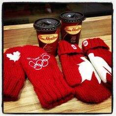 Nothing says Canada better than Tim Horton's and these gorgeous red Olympic mittens! Canadian Things, I Am Canadian, Canadian Winter, Canadian Girls, Canada North, Canada 150, Canadian Culture, Canadian History, Tim Hortons