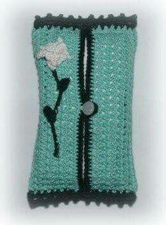 Cute Tissue Tote: Free Crochet Pattern, would be cute to hold vintage hankies for us crunchy folks :) Crochet Kitchen, Crochet Home, Crochet Gifts, Cute Crochet, Crochet Baby, Knit Crochet, Crochet Stitch, Single Crochet, Easy Crochet