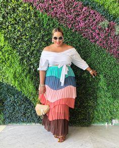 Curvy Friends – Plus size photos, plus size fashion and plus size tips Curvy Fashion, Fashion Models, Fashion Looks, Plus Size Fashion Dresses, Plus Size Outfits, Looks Plus Size, Plus Size Model, Dresser, Mode Plus