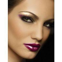 Sexy evening makeup