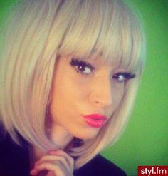 Fryzury  Blond włosy: Fryzury Średnie Na co dzień Proste z grzywką Rozpuszczone Blond - CzEkOlAdKa2010 - 1591017