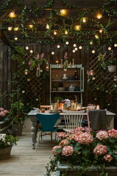 28 Absolutely dreamy Bohemian garden design ideas When decorating your outdoor s. - 28 Absolutely dreamy Bohemian garden design ideas When decorating your outdoor space, a Bohemian ga - Backyard Lighting, Home Lighting, Outdoor Lighting, Lighting Ideas, Outdoor Chandelier, Ceiling Lighting, Lighting Design, Design Jardin, Garden Design
