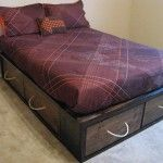 This is the perfect idea for a redo-it teen bed for my almost teen son!