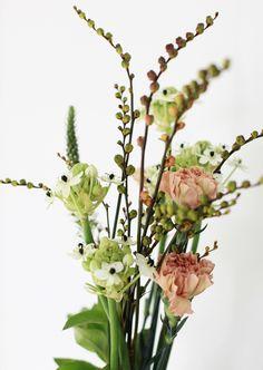 flowers // wildflowers // pink // green // white
