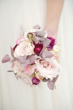 Pink bouquet for a Winter wedding by http://www.fairynuff-flowers.co.uk/