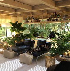 """A visita à Casa Cor é uma delicia. Em cada ambientes que visitamos uma surpresa um detalhe. Me apaixonei por esse """"Jardim Suspenso"""". Projeto Fernanda Negrelli e Andrea Teixeira."""