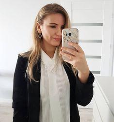 Moda zatacza koło, czego świetnym przykładem jest moja bluzka z tego outfitu. To bluzka mojej mamy sprzed dobrych 20 lat, wyszperana na… Make Up, Instagram, Makeup, Beauty Makeup, Bronzer Makeup