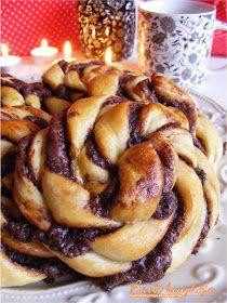 Barbi konyhája: Nutellás csavart csiga Hungarian Desserts, Hungarian Recipes, Sweet Cookies, Challah, Apple Pie, Nutella, Tart, Pancakes, Good Food
