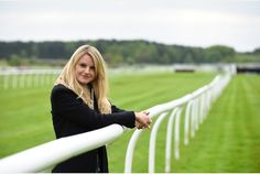 Market Rasen Racecourse attracts its biggest crowd for 13 years Big Crowd, Thoroughbred Horse, Horse Racing, Attraction, Horses, Marketing, Horse