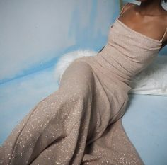 SOLD Vintage early custom made champagne gold shimmer backless gown for a size S-M. Stretchy with a fitted bodice and pullover. Prom Outfits, Grad Dresses, Ball Dresses, Ball Gowns, Evening Dresses, Cute Outfits, Fashion Outfits, Teen Outfits, Skirt Fashion