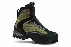 Italian made hiking boots and outdoor footwear Trekking Shoes, Hiking Shoes, Hot Shoes, Men S Shoes, Cool Boots, Outdoor Outfit, Winter Boots, Footwear, Mens Fashion