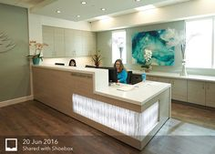The design also needs to be attractive to examine and should not readily look dated. Next is to learn what kind of design is perfect for your companys needs. Dental Reception, Office Reception Area, Reception Desk Design, Reception Areas, Commercial Office Design, Dental Office Design, Clinic Design, Healthcare Design, Le Rosey