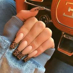 Uñas Kylie Jenner, Ongles Kylie Jenner, Kylie Jenner Nails, Drip Nails, Aycrlic Nails, Pink Nails, Cute Nails, Manicures, Glitter Nails