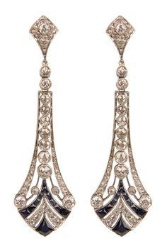 Pendientes de platino y zafiros de Bárcena. Precio: 9.000 €