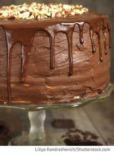 Biskuittorte mit Milchmädchen und Schokolade Tort so sguchönym molokom i schokoladom - Бисквитный торт с гущёнкой и шоколадом - Russische Rezepte