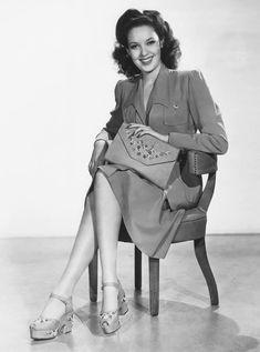 Linda Darnell | Mid-1940s | #vintage #1940s #fashion