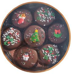Chocolate Dipped Oreo Cookies decorated for Christmas 7 Oreo Assortment, Milk Chocolate - http://bestchocolateshop.com/chocolate-dipped-oreo-cookies-decorated-for-christmas-7-oreo-assortment-milk-chocolate/
