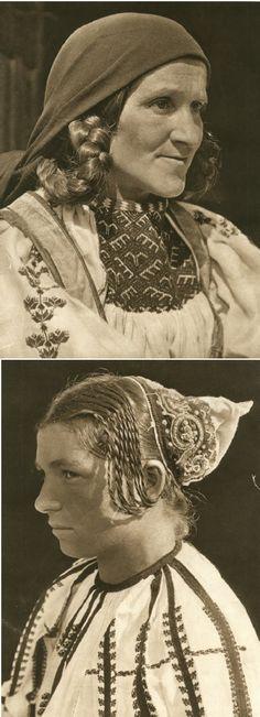 Mirifica Romanie in Alb Si Negru - 1933 Folk Costume, Costumes, Interwar Period, Little Paris, Beauty Around The World, Gypsy Life, My Pocket, Bucharest, Historical Pictures