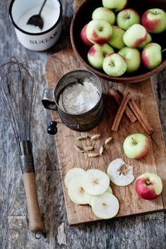 making apple pie~