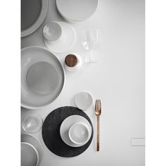 New Norm Dinnerware expresses the purity, simplicity, and honesty so particularly characteristic of the Nordic way. At the same time, the dinnerware reinterprets the well known and challenges the trad
