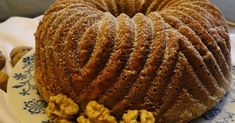 Ořechová bábovka s čokoládou Muffin, Sweets, Baking, Breakfast, Food, Morning Coffee, Gummi Candy, Candy, Bakken