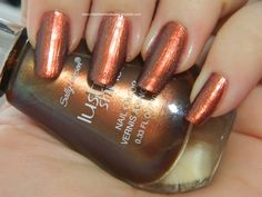 Copperhead Sally Hansen Lustre Shine: A somewhat metallic copper with pink & bronze tones. Applies as more of a metallic but with little to no visible shift. Seen here is 2 even coats of easy application.