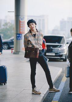 © magnum opus please do not edit or crop. Fashion Idol, Kpop Fashion, Fashion Outfits, Mens Fashion, Fall Fashion, Style Fashion, Korean Airport Fashion, Korean Fashion, Korean Boy