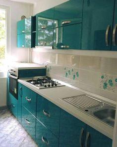 Modern Home Decor Kitchen Kitchen Cupboard Designs, Kitchen Room Design, Modern Kitchen Design, Kitchen Layout, Home Decor Kitchen, Interior Design Kitchen, Moduler Kitchen, Bedroom Cupboard Designs, Modern Kitchen Interiors