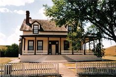 (The Custer House at Fort Abraham Lincoln State Park in North Dakota). Lieutenant Colonel George Armstrong Custer and his wife, Libbie lived on Fort Abraham Lincoln from 1873 until Custer died at the Battle of the Little Big Horn in the spring of 1876. Approximately 500 troops were also stationed there. Custer's first home at the fort was built in the summer of 1873, but it burned down in February 1874. Today, the house and seven other major fort buildings have been rebuilt.