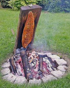 Würziger Flammlachs vom Feuer, ein raffiniertes Rezept aus der Kategorie Fisch. Bewertungen: 21. Durchschnitt: Ø 4,7.