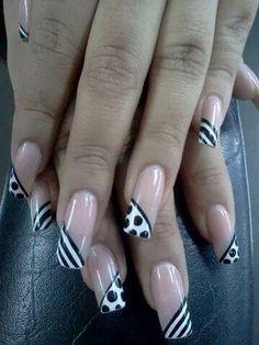 Uñas decoracion heiluz Almond Nails Designs, Gel Nail Designs, Black Nails, White Nails, Zebra Stripe Nails, Black And White Nail Designs, Gold Nail Polish, Trendy Nail Art, Nail Arts