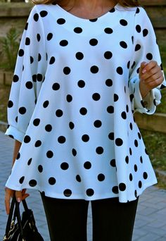Oh My Looks by Silvia / Polka dot blouse Fashion Sewing, Curvy Fashion, Modest Fashion, Fashion Looks, Blouse Styles, Blouse Designs, Fall Fashion Outfits, Autumn Fashion, Costura Fashion