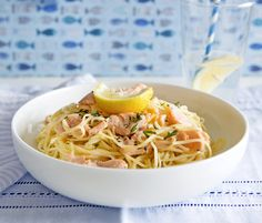 Tejszínes-lazacos tészta // Spaghetti w/ Creamy Salmon Sauce Sauce For Salmon, Kids Meals, Spaghetti, Baking, Ethnic Recipes, Food, Drink, Beverage, Bakken