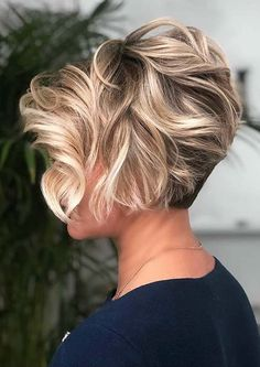 Wavy Long Pixie With Blonde Highlights ❤ If you are in search for nice short haircuts, which can highlight your look, we have the best selection of 65 hottest haircuts for women. Short Relaxed Hairstyles, Latest Short Hairstyles, Short Pixie Haircuts, Pixie Hairstyles, Layered Hairstyles, Hairstyles 2016, Braided Hairstyles, Messy Pixie Haircut, 1920s Hairstyles