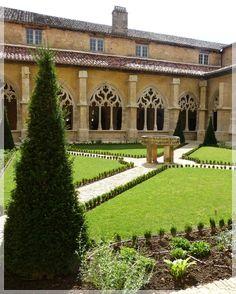 Abbaye de Cadouin, Cadouin, Aquitaine