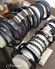 Βραχιόλια Ανδρικά σε πολύ μοντέρνα γραμμή! Μεταφορικά εντελώς Δωρεάν σε όλη την Ελλάδα! www.asimenio.gr T. 2310 531382 Θεσσαλονίκη Jung Kook, Miu Miu Ballet Flats, Macrame, Bracelets, Shoes, Jewelry, Style, Fashion, Paracord Bracelets