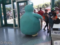 """Accurate representation of a Snorlax. The guy is like """"Sir I get your Snorlax cosplay, but you need to stop. Pokemon Comics, Pokemon Memes, Pokemon Funny, My Pokemon, Pokemon Stuff, Amazing Cosplay, Best Cosplay, Cool Costumes, Cosplay Costumes"""