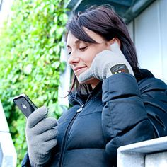 Bluetooth Handset Gloves - 2 questions - first, could it POSSIBLY work and second, would you really want to talk on the phone like this???