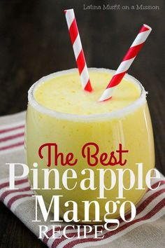 Looking for a simple breakfast smoothie idea? You will love tmy best and easy pineapple mango smoothie Mango Pineapple Smoothie, Mango Smoothie Recipes, Smoothie Prep, Raspberry Smoothie, Banana Smoothies, Vitamix Recipes, Smoothie Drinks, Healthy Smoothies, Healthy Drinks